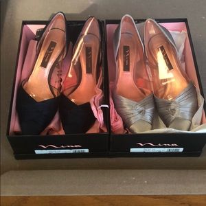 2 Pairs Size 7 Nina Shoes with box/shoe bag